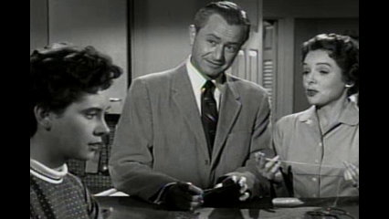 Father Knows Best: S5 E1 - Vine Covered Cottage