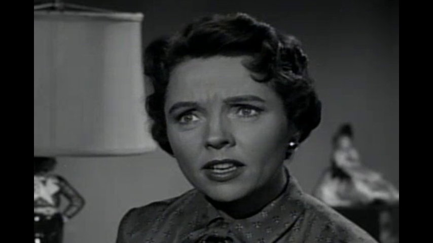 Father Knows Best: S5 E28 - An Extraordinary Woman