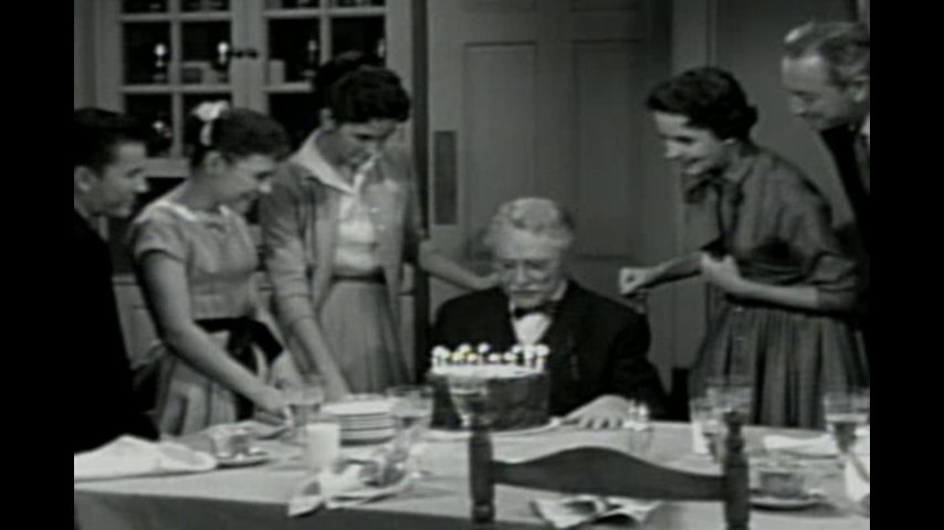 Father Knows Best: S6 E22 - Time To Retire