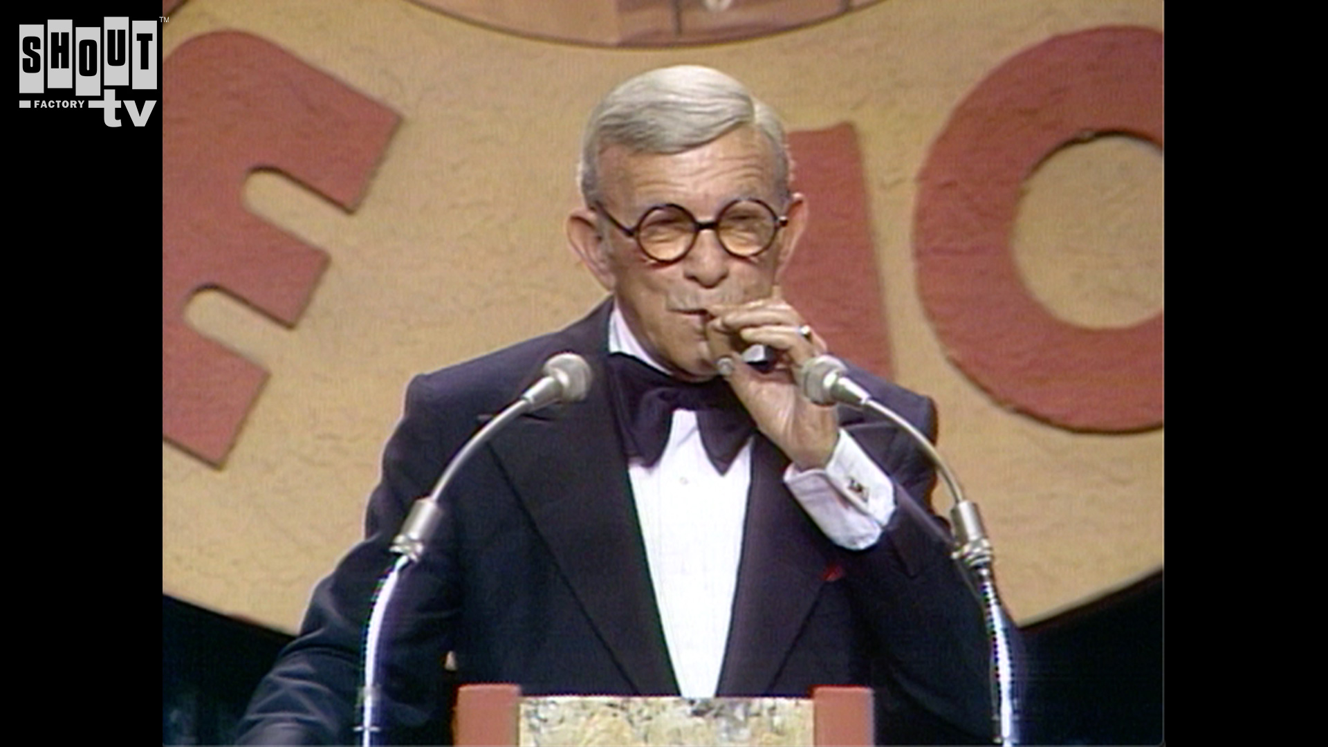 The Dean Martin Celebrity Roasts: George Burns (5/17/78)